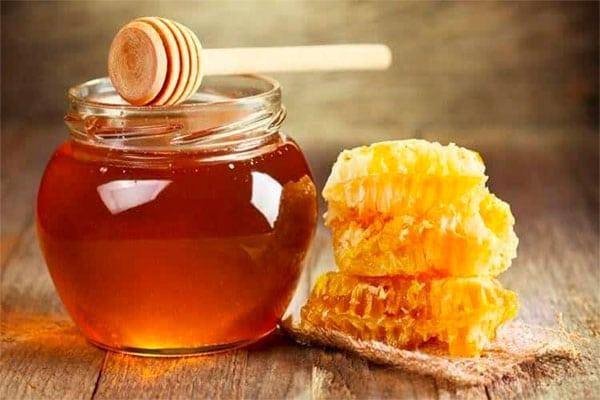 Không nên dùng mật ong