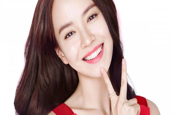 Một hàm răng trắng sáng là mong ước của nhiều người