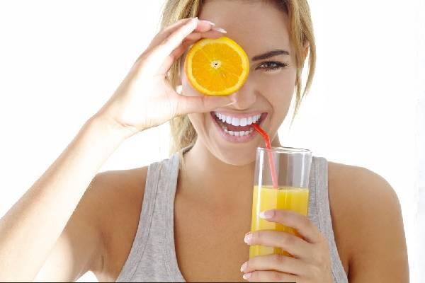 Nước cam giúp làm đẹp da