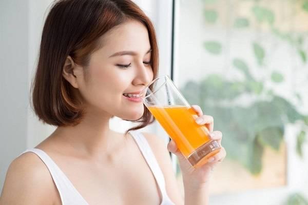 Uống nước cam cho mắt khỏe hơn