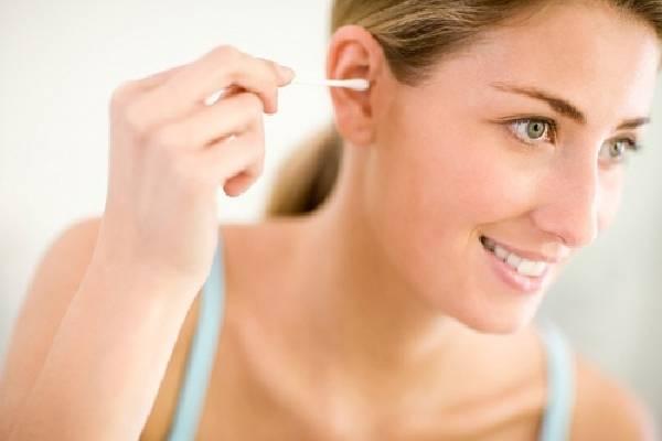Ngoáy tai gây ảnh hưởng đến tai
