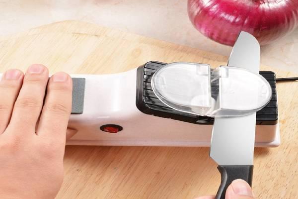 Sử dụng máy mài dao là cách hiệu quả nhất